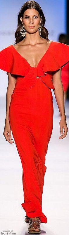 Johanna Ortiz Spring 2016---hermoso vestido largo rojo con detalle
