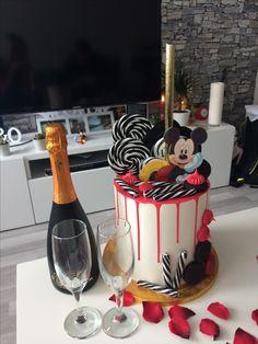 Můj úžasný narozeninový dort  Dort MickeyCake Birthday MickeyMouse Prosecco Love