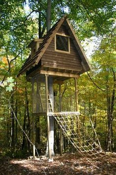 Kids Tree House Plans Ladder Kids Treehouse Design Ideas Pictures Remodel And Decor Pergola Gazebo Playhouse Outdoor House Floor Plans 22 Best Tree Fort Images Treehouse Treehouses Country Homes Build A Playhouse, Playhouse Outdoor, Backyard Trees, Backyard Playground, Tree House Plans, Diy Tree House, Tree House Interior, Cool Tree Houses, Tree House Designs
