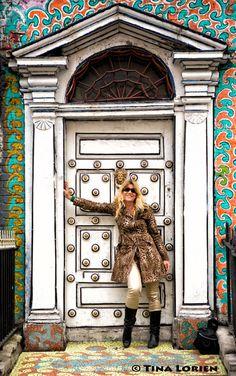 Door In Dublin - Ireland. © T-lorien