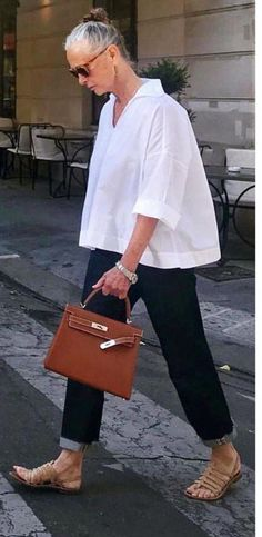 coffee date outfit Mature Fashion, Fashion Over, Look Fashion, High Fashion, Mode Outfits, Casual Outfits, Fashion Outfits, Womens Fashion, Looks Style