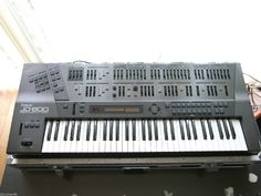 MATRIXSYNTH: Roland JD-800 Synthesizer SN ZC68013
