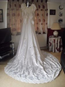 Ian Stuart Stevie Size 12 Long Sleeve Lace Wedding Dress