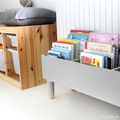 Your child's room is his sanctuary. It is going to want to decorate his walls of deco of all kinds … Why not to direct him towards wall stickers? They give your room the personality, arise and remove easily! Big Girl Rooms, Boy Room, Kids Room, Baby Room Diy, Baby Room Decor, Nursery Bookshelf, Bookshelf Diy, Bookcase, Bookshelves Kids