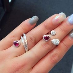 Choosing Diamond and Gemstone Rings High Jewelry, Jewelry Rings, Jewelery, Jewelry Accessories, Jewelry Design, Party Rings, Jewelry Patterns, Beautiful Rings, Ring Designs