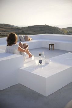 This brand new house is located on the island of Paros in the settlement of Kamari. For this project, the architects Natasha Deliyianni and Yiorgos Spiridonos, (REACT ARCHITECTS)  have reinterpreted the cubic cycladic architecture with a modern...