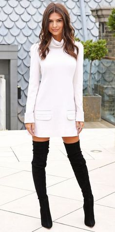 Emily Ratajkowski jumped ahead to fall for the We Are Your Friends photocall. #celebritystyle #fashion #redcarpet