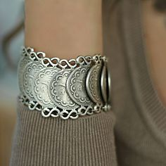 Statement Fashion Antique Silver Retro Women Large Wrap Boho Metal Bracelet #Takimania #Statement