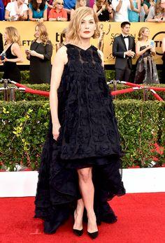 Rosamund Pike in Dior at 2015 SAG Awards