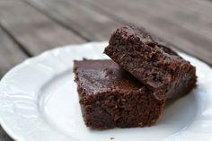 ŠŤAVNATÝ CUKETOVÝ KOLÁČ S ČOKOLÁDOU Zucchini Brownies, Thing 1, 20 Min, Food And Drink, Chocolate, Baking, Health, Blog, Biscuits