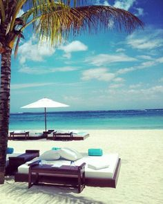 """Le Kabanon"" Beach Bar | Dinarobin Hotel, Mauritius (http://www.facebook.com/BeautyOfMauritius)"