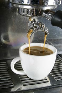 Espresso-coffee Coffee Cafe, V60 Coffee, Coffee Shop, Expresso Coffee, Coffee Vending Machines, Brew Bar, Dessert Drinks, Desserts, Cuban Recipes
