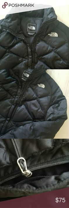 Black North Face Coat *Taking ALL Offers* TAKING ANY AND ALL OFFERS FOR A LIMITED TIME!   This black North Face coat is in great condition and is probably one of the warmest coats I've ever owned! Absolutely loved it!  Only issue with the coat is shown in the 3rd picture. The zipper detached from one side of the zipper track. Easy fix, I just havent bothered since I no longer wear it.  Let me know if you have any questions, I'm happy to help! Also, I'm open to any and all offers and trades…