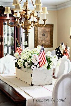 12 Easy Patriotic Centerpiece Ideas – Cheap July 4th Holiday Party DIY Decor Project - HoliCoffee (10)