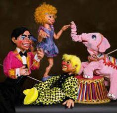 Στην Ισπανία λογοκρίνουν ένα κουκλοθέατρο και συλλαμβάνουν μαριονετίστες -