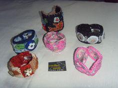 vários tipos de braceletes