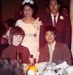 Bruce Lee Master, Bruce Lee Family, Artiste Martial, Martial Artist, Bruce Lee Books, Bruce Lee Pictures, Hong Kong, My Family Photo, Family Photos