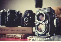 Rolleiflex.. I'd so love one.