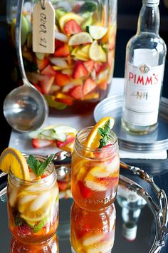 Pimms Classic with Fruit | Cocktail in mason jars with orange garnish