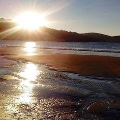El #sol besando la #playa de #gorliz en #otoño #autumn #beach #uribekosta #sun #sunset #paisaje #puestadesol #igersbizkaia #mar #sea #landscapephotograpy #landscape #visitgorliz ##basquecountry #estaes_euskadi #naturaleza_euskadi #photomobile #light #contraluz