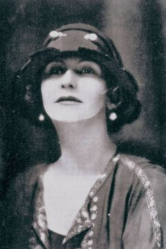 Coco Chanel, promoted the style we associate with flappers. She started  a trend that a lot of girls of this time followed. She wore really short hair and lots of girls followed. Also the shorter dresses.Coco Chanel is still known to this day.