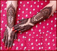 Back hand mehndi design is a style which which will be used by the women of all the word. In this article we collect back hand mehndi designs 2017 for you. Kashee's Mehndi Designs, Arabic Bridal Mehndi Designs, Pakistani Mehndi Designs, Back Hand Mehndi Designs, Mehndi Designs For Girls, Mehndi Design Images, Latest Mehndi Designs, Hena Designs, Art Designs