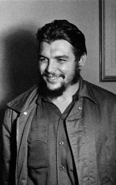 The Sweet Revolutionary Feliz cumpleaños Che ♥ Che Guevara Pictures, Che Guevara Images, Wallpapers En Hd, Ernesto Che Guevara, Viva Cuba, Facebook Profile Picture, Fidel Castro, Witch Aesthetic, Influential People
