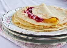 Naleśniki kokosowe Pancakes, Breakfast, Ethnic Recipes, Supper Ideas, Food, Inspire, Kuchen, Morning Coffee, Essen