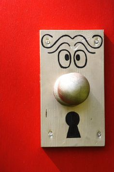 Dining room decor on pinterest alice in wonderland mad for Alice in wonderland door knob disney decoration