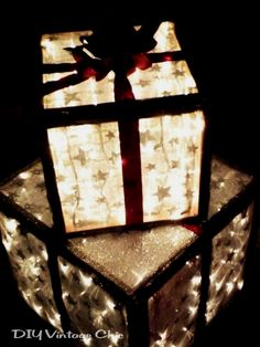 Check out these homemade DIY outdoor Christmas decorations that make it cheap and easy to get your home and yard in the Christmas spirit this season! #christmas #christmasdecor Christmas Porch, Noel Christmas, Rustic Christmas, Winter Christmas, Christmas Lights, Christmas Boxes, Christmas Ideas, Simple Christmas, Christmas Packages