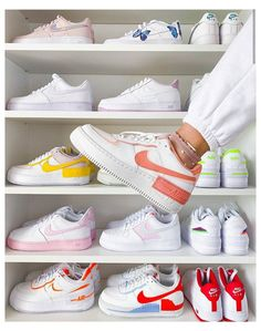 Dr Shoes, Cute Nike Shoes, Swag Shoes, Hype Shoes, Me Too Shoes, Nike Shoes Air Force, Jordan Shoes Girls, Teen Girl Shoes, Aesthetic Shoes