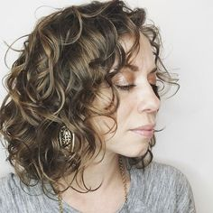 Find the best tips, products & styling techniques for wavy hair care in this edition of The Curious Column! Alyson from real life+curly girl shares her natural hair journey with lessons learned from her wavy hair care routine. Curly Hair With Bangs, Long Curly Hair, Hairstyles With Bangs, My Hair, Curly Hair Styles, Hairstyles 2016, Pretty Hairstyles, Curls Hair, Loose Curls