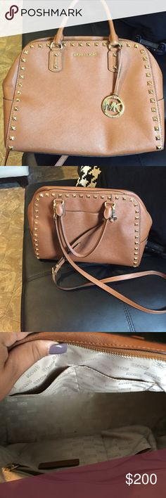 Mk purse (original) Used but in excellent condition, beautiful, elegant and modern Michael Kors Bags Totes