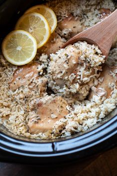Slow Cooker Lemon Pepper Chicken and Rice Slow Cooker Recipes Slow Cooker Huhn, Crock Pot Slow Cooker, Slow Cooker Recipes, Crockpot Recipes, Cooking Recipes, Rice Cooker, Crock Pots, Cooking Videos, Chicken And Rice Crockpot