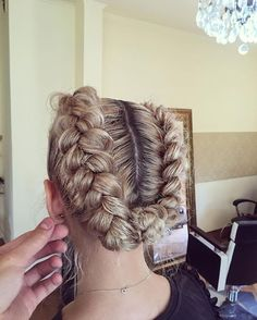 The Unexpected Braided Hairstyles for Long Hair, There are plenty of variations of braiding for long hair in modern hair art. They differ in location, number and shape. Cute Girls Hairstyles, Braided Hairstyles For Wedding, Modern Hairstyles, Trending Hairstyles, How To Make Braids, Hairdo For Long Hair, Natural Hair Styles, Short Hair Styles, Four Strand Braids