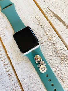 Apple Watch Fashion, Apple Watch 1, Apple Watch Faces, Apple Watch Series 1, Apple Watch Leather Strap, Cellphone Case, Retro Candy, Apple Watch Accessories, Fitness Watch