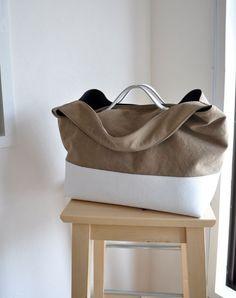 Shopper Bag, Tote Bag, Diy Pochette, 60s Patterns, Japanese Bag, Fabric Bags, Bag Organization, Goodie Bags, Handmade Bags