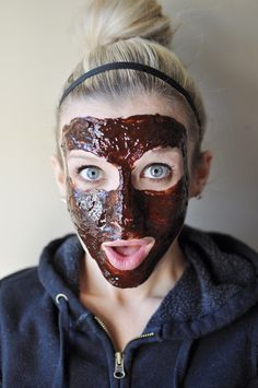 Health Benefits.  Dark Cocoa Powder – high level of antioxidants that promote cell repair, helps firm & prevent wrinkles, high vitamin & mineral content, increased hydration, decreased skin roughness, increased defense of UV damage  Plain Yogurt – contains lactic acid that dissolves dead skin cells, natural antibiotic that kills bacteria, zinc which aids in clearing zits  Salt – shrinks pores, helps exfoliate dead skin cells  Coconut Oil – vit E & K, polyphenols are anti-aging, & fatty acids…