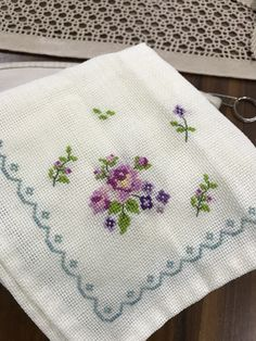 Cross Stitch Embroidery, Cross Stitch Patterns, Needlepoint, Needlework, Diy And Crafts, Lily, Sewing, Center Table, Sew Baby