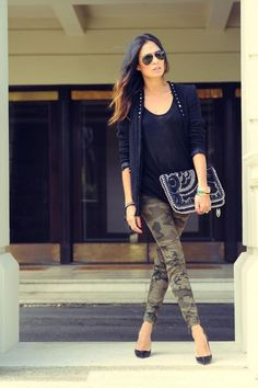 Love the outfit! Want those skinny camo pants ! Camo Fashion, Love Fashion, Fashion Outfits, Womens Fashion, Cheap Fashion, French Fashion, Fashion Tips, Camo Outfits, Casual Outfits