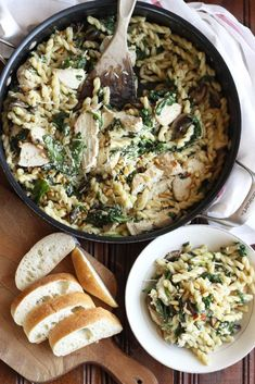 Creamy Mushroom and Spinach Pasta. Mushroom and spinach pasta with a sprinkling of truffle salt and a creamy parmesan sauce. Creamy Mushrooms, Stuffed Mushrooms, Spinach Pasta Recipes, Good Food, Yummy Food, Truffles, Healthy Recipes, Yummy Recipes, Salt