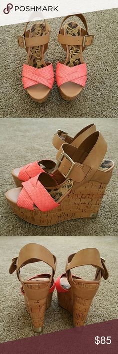 NWOT Sam Edelman Coral and Tan Wedges size 6