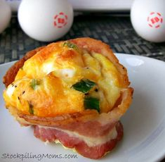 Are you looking for a delicious no carb breakfast?  Bacon Egg Cups are a great way to start your da