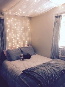38 Creative Bedroom Ideas That Any Teenager Will Love cool 38 kreative Schlafzimmer Ideen, die jeder Small Room Bedroom, Home Decor Bedroom, Diy Home Decor, Master Bedroom, Canopy Bedroom, Bedroom Simple, Bedroom Diy Teenager, Bedroom Ideas For Small Rooms For Girls, Girls Bedroom Ideas Teenagers
