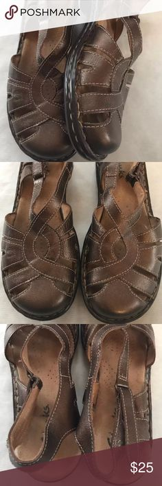 """Clarks Active Air Size 6.5 Sandals Bronze/brown Clarks active air sandals with slingback strap  Size 6.5  Very good used condition  Bronze/brown colored leather uppers  Approx. 9"""" insole length of shoe Clarks Shoes Sandals"""
