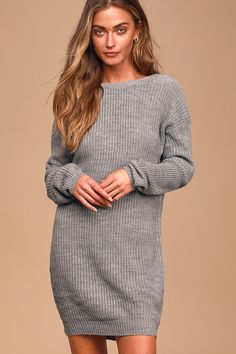 The Bringing Sexy Back Heather Grey Backless Sweater Dress brings a little edge to those chilly days by the fire! Long sleeve sweater dress with a sexy V-back. Green Sweater Dress, Sweater Dress Outfit, Long Sleeve Sweater Dress, Knit Dress, Sweater Dresses, Grey Sweater, Women's Dresses, Dresses Online, Casual Summer Dresses