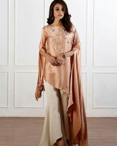 Style Inspiration: Casual & Fabulous great touch with the yellow purse Pakistani Formal Dresses, Pakistani Wedding Outfits, Indian Dresses, Indian Outfits, Stylish Dresses For Girls, Stylish Dress Designs, Indian Designer Outfits, Designer Dresses, Suit Fashion