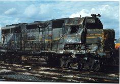 CSX Train Wreck | GP40 6823 / Wrecked