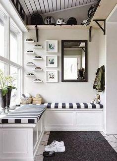 BOISERIE & C.: Come disporre quadri e cornici sulla parete