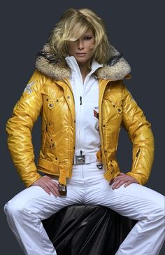 LOVE the colour of the jacket!!